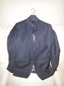 DKNY SPORTSCOAST SUIT JACKET IN EXCELLENT CONDITION
