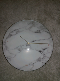 Marble patterned clock