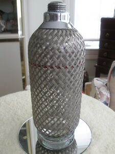 VINTAGE SPARKLETS LTD. WIRE WICKER-MESH SELTZER BOTTLE