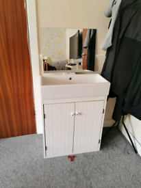 Sink & Bathroom Cabinet
