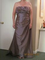 Robe en taffeta mauve ambré gr. 12-14/ Amber purple taffeta gown