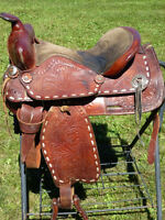 15 IN WESTERN SADDLE WITH BUCKSTITCHING