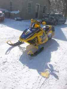 Must sell no time to ride fast sled  London Ontario image 2