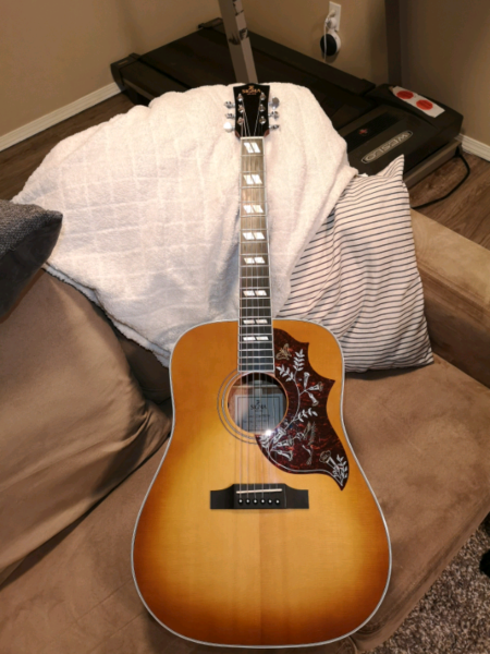 Sigma hummingbird guitar