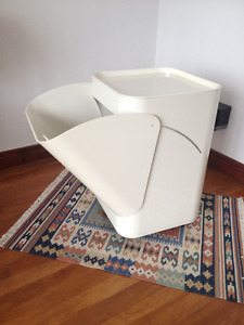(rare) Kartell Laundry Basket by Anna Castelli Made in Italy