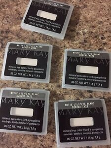 Mark Kay eye shadow in white lily