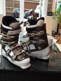 Lange Ladies Ski Boot - Size 8
