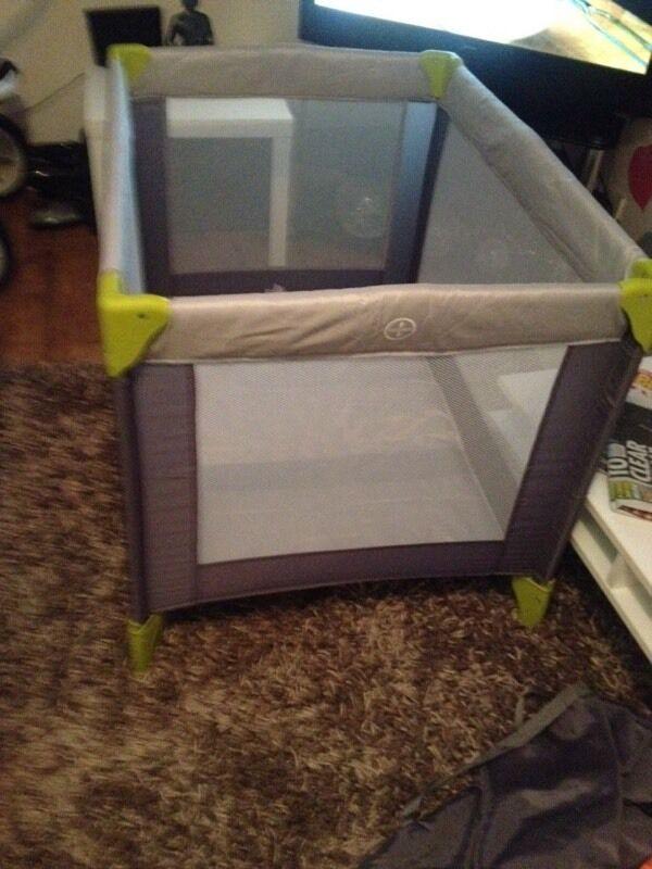 Baby start. Travel cot