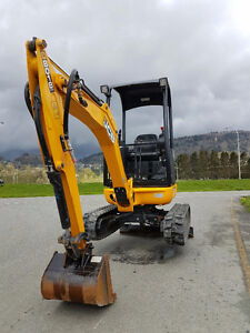 MINI EXCAVATOR 1.8 Ton With New Hydraulic Thumb fitted