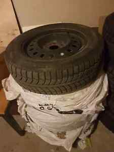 4 winter tires with rim 400$$$$$ West Island Greater Montréal image 3