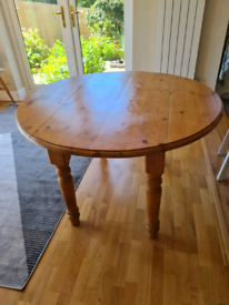 Round natural solid pine kitchen table -drop leaf