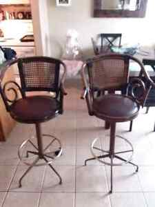 New price 2 bar stools