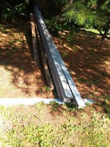 Planches de bois traité pour patio