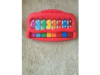Baby piano (John Lewis)