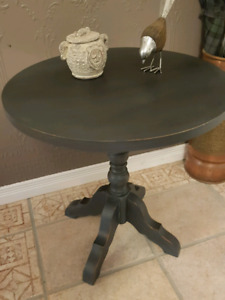 Accent table - Shabby Chic