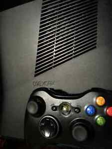Xbox 360 slim system with 320gb and a 4gb