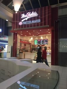 MRS. FIELDS & PRETZELMAKER FRANCHISE AVAILABLE