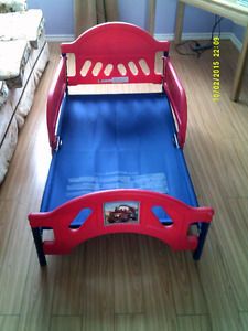 Disney Cars toddler bed red/blue - 15$