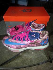 "Nike KD VI Supreme ""Aunt Pearl"""