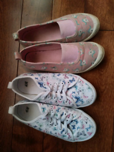 Girls Pull-up Sneakers- size 1