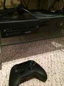 XBOX ONE (plus 6 games) Kingston Kingston Area image 1