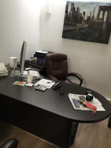 "Executive ""L"" shape Bullet Desk"