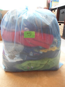 Lot of toddler clothing - boy size 24 mths/2T