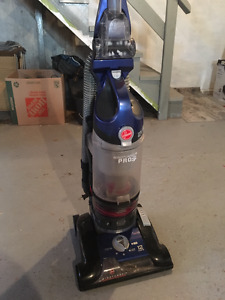 Hoover WindTunnel 3 Pro Pet Bagless Upright Vacuum Cleaner, UH70