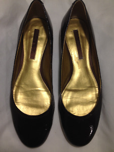 Ladies New Dark Brown Patent Leather Gold Heel Bandolino Shoes