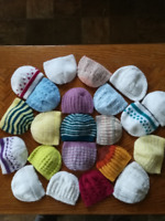Bonnets de bébé (tricot)