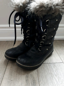 Sorel Boots Womens size 6