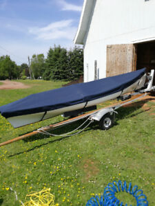 ROWING/SAILING SKIFF