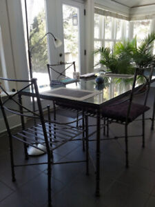 Table de verre + chaises – Glass & Metal Dining Room Table