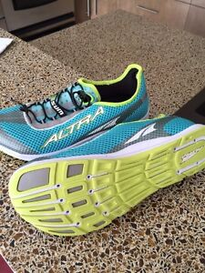 New altra running shoes size 12 women