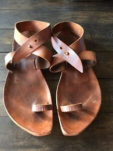Cydwoq leather ankle strap shoes size 9