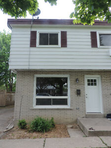 3 bdrm north end apartment in 4 plex