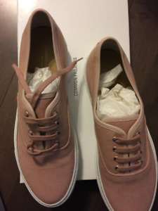 FS: COMMON PROJECTS pink canvas touraments SIZE 6.5