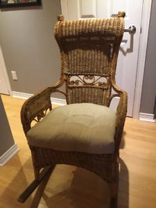 Chaise berçante en rotin
