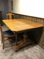 Solid Oak Dining Room Table w/ 4 Chairs