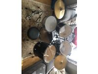 Drum kit - used - great condition!