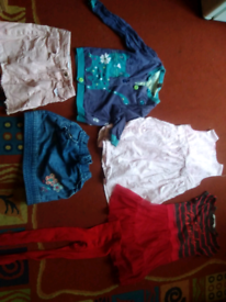 Small bundle of girls age 3 to 4 years clothes .