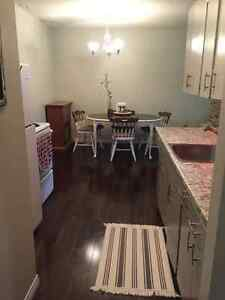 ST. VITAL - 1 BEDROOM CONDO FOR RENT - AVAIL OCT. 15