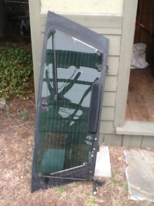 2000 Infiniti QX4 Rear Hatch Window