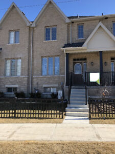 Spacious 2 Story Executive Townhouse in Sutton West