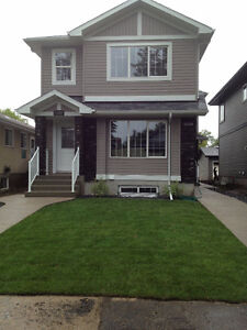 2-BEDROOM SUITE FOR RENT - 1 BLOCK SOUTH OF UOFA! AVAIL. JUL 1