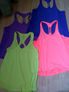 Lot de camisole under armor