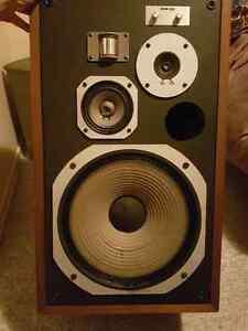 Vintage Pioneer HPM -100 speakers