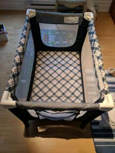 Parc, lit parapluie / foldable bed for baby