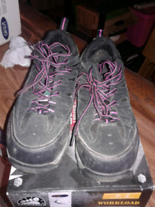 Women's work shoes size 9