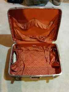 McBrine vintage luggage travel case hardcase Kitchener / Waterloo Kitchener Area image 4